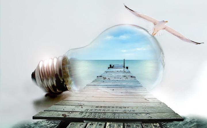 light-bulb-2581559_1920